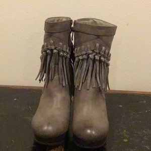 Sbicca Shoes - Like New Sbicca Gray Tassel Boots